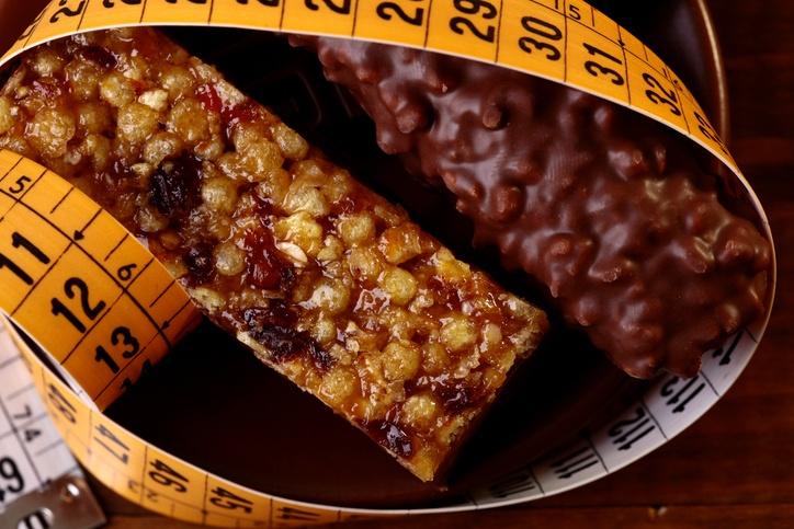 Nem sempre o chocolate diet é uma boa opção para emagrecer: pode ser que tenha menos açúcar, mas possua maior teor de gordura (foto: istock)