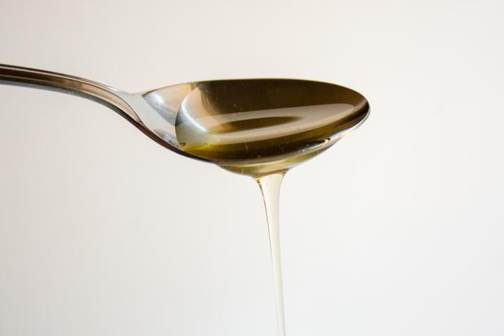 A calda de agave tem aparência semelhante ao mel, mas é obtida a partir de uma planta mexicana (foto: istock)