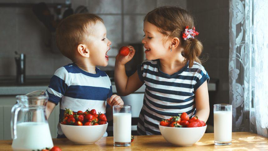 Criar hábitos alimentares saudáveis na infância