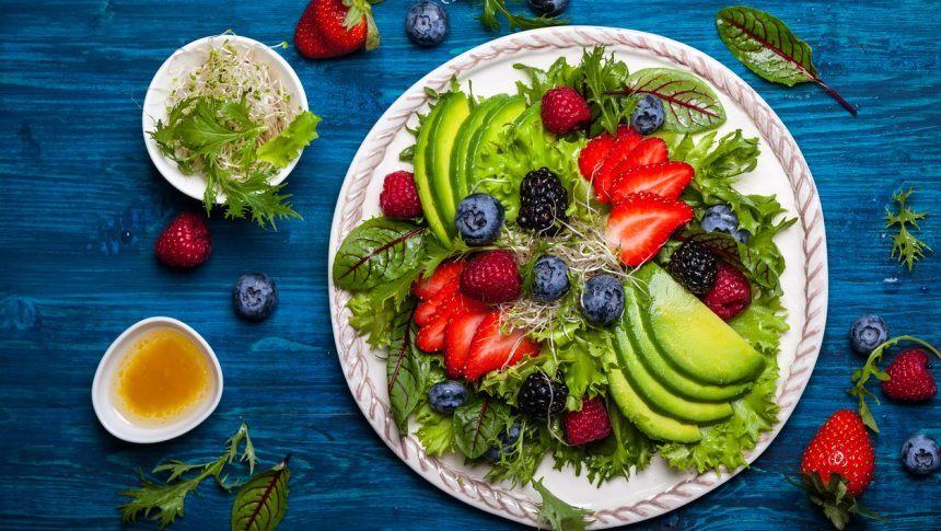 Cardápio de verão: saiba o que comer com saúde para se bronzear
