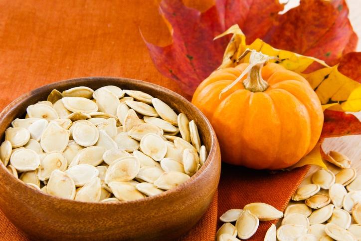 A semente de abóbora é pouco calórica: uma colher de sopa tem 54 calorias (foto: istock)