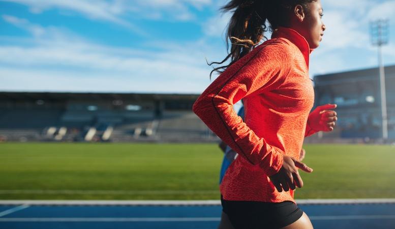 Correr acelera o metabolismo e fortalece os ossos (foto: istock)