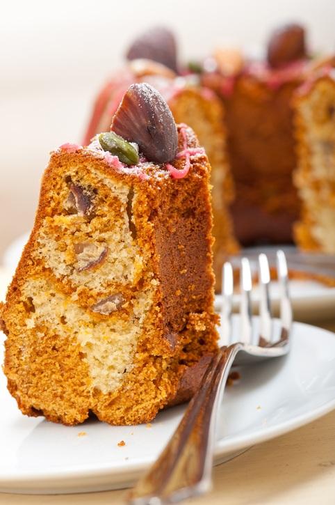 Receita de bolo de chia, aveia e castanha: sem glúten e com muito sabor