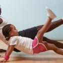 Exercicio com criança em casa